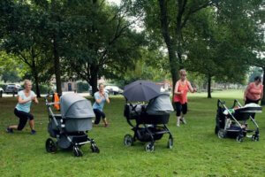 Outdoor class for mum and baby, postnatal classes in Bristol.
