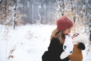 4 tips for dressing your baby for winter walks